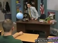 Gay doctor male sex clip The twink sitting behind the teacher&#039_s desk