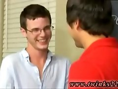 Boy in bikini gay porn Timo Garrett gives his teacher Julian Smiles a