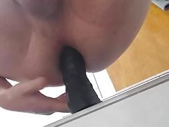 Spritzvideo mit dildo im arsch