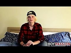 Twink blondie Kayden shares his solo adventure with everyone